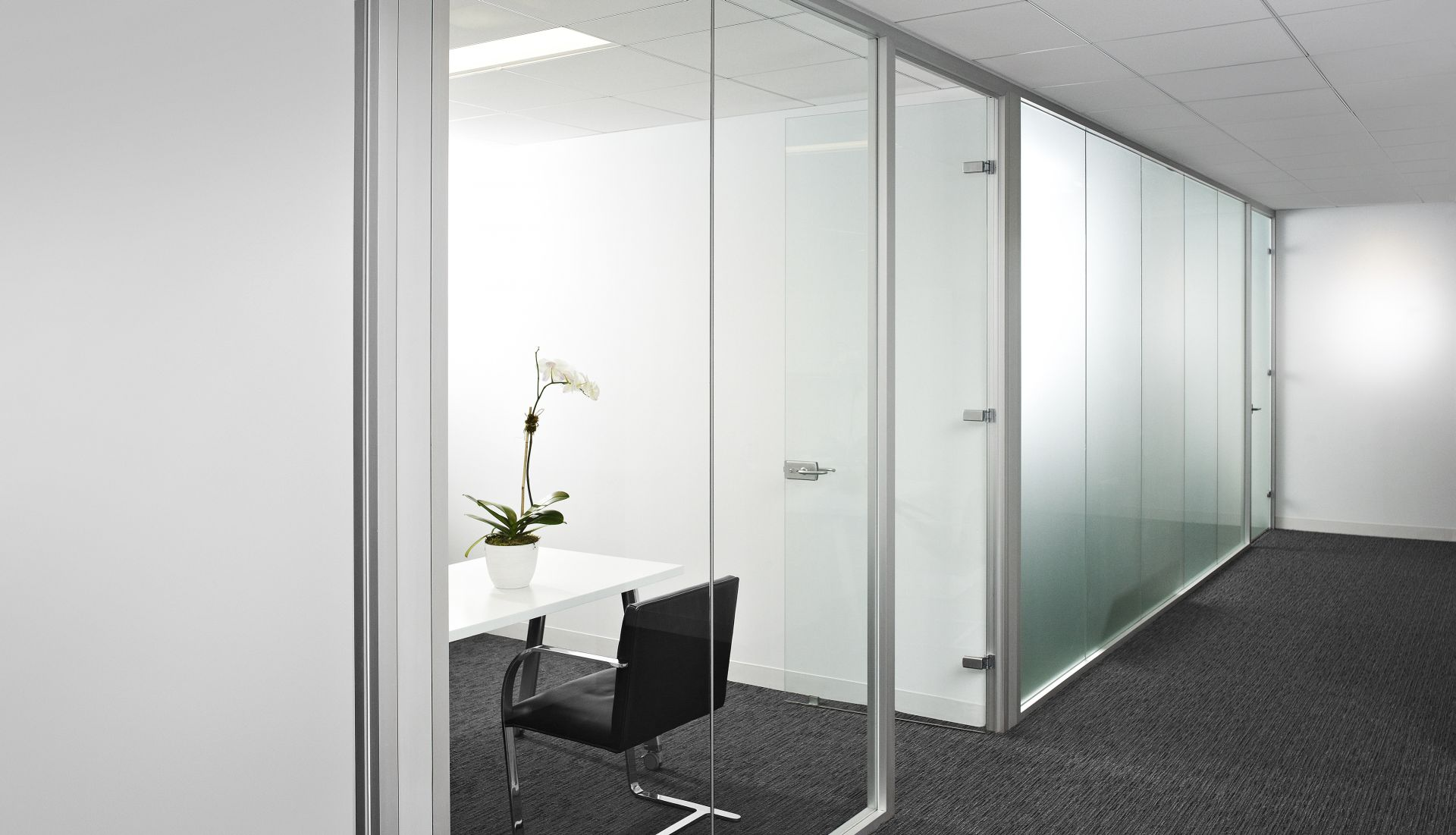 Demountable Walls And Glass Walls Partition Systems